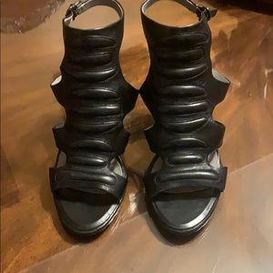 Kenneth Cole high heels sandals
